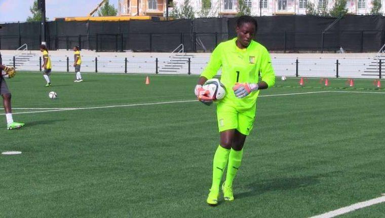 Jeanine Christelle Djomnang fallece durante el calentamiento en la liga de Camerún. (Foto Prensa Libre: Internet)