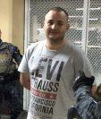 Sergio Fernando Cifuentes Sagastume, alias el Gordo, durante su llegada a la Torre de Tribunales para conocer los motivos de su detención. (Foto Prensa Libre: Guatevisión)