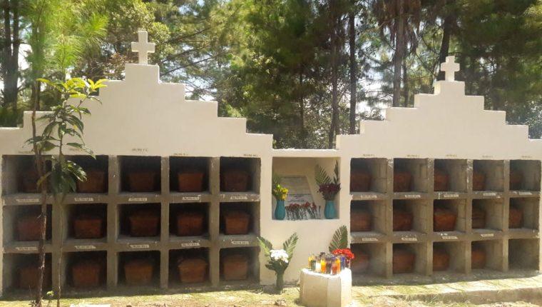 Un mausoleo general fue construido en el cementerio de Vipech, Nebaj, Quiché. (Foto Prensa Libre: Cortesía Ajkemab´ Rech K´aslemal).