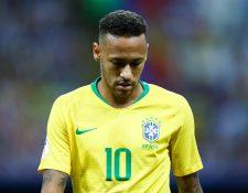 En el partido que más se esperaba de Neymar, el brasileño no apareció ni marcó la diferencia. (Foto Prensa Libre: AFP)