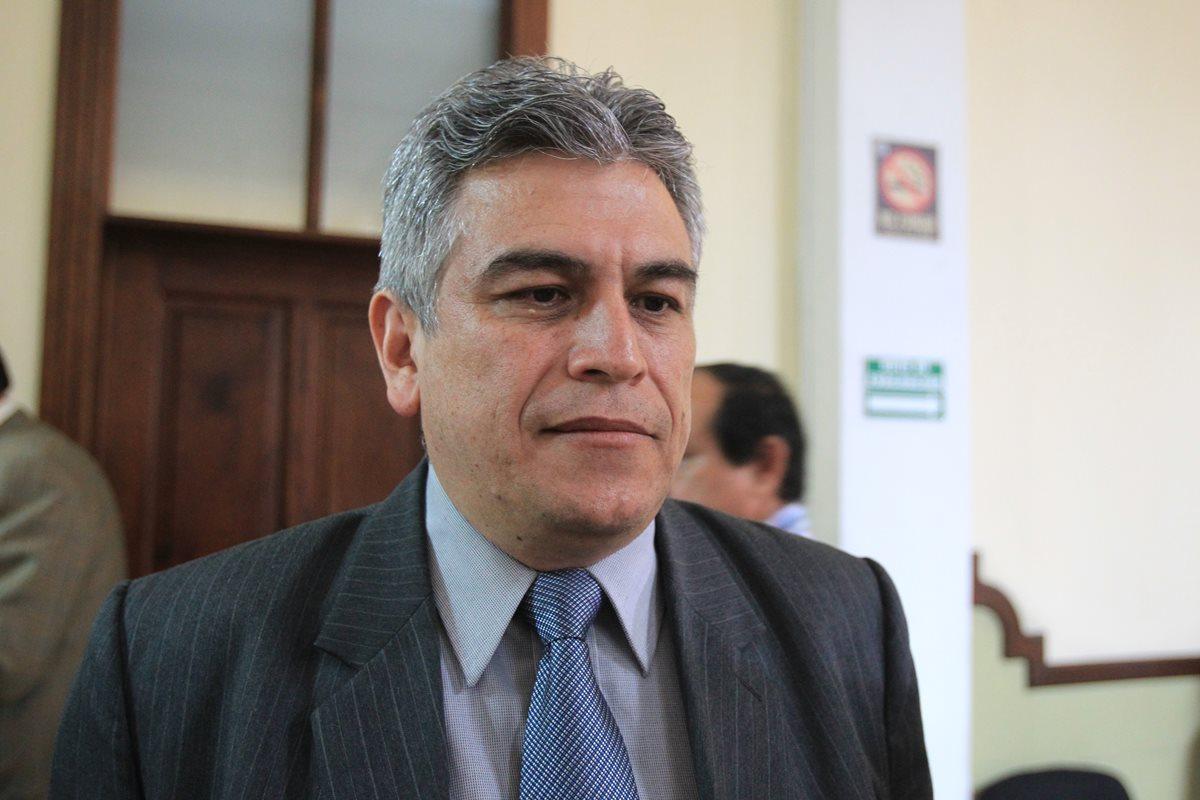 José Ramón Lam Ortiz continúa como colaborador de Jimmy Morales