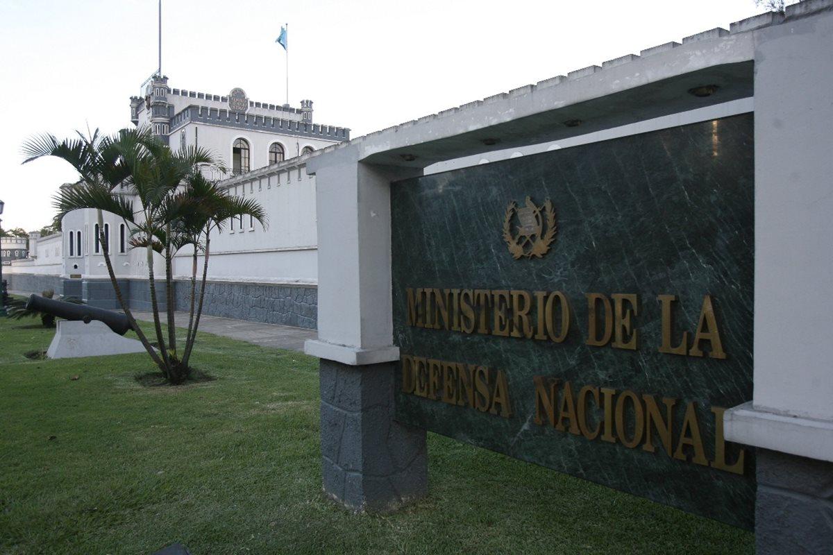 Viceministro de Defensa: en todos los ministerios reciben bonos