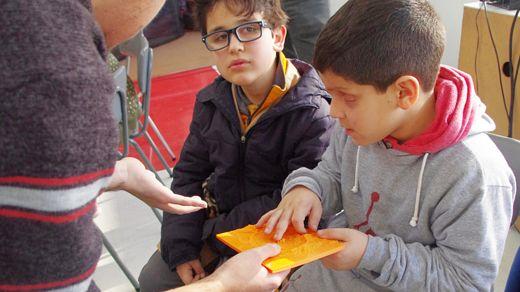 """Tocando un cráter. """"Ahora mi motivación no es solamente un desafío comunicacional sino cambiar un poco el estatus de las personas con discapacidad en Chile"""", señaló Labbé (Foto Prensa Libre: GENTILEZA ERIKA LABBÉ)."""