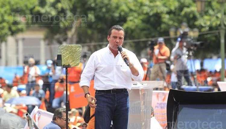 Alejandro Sinibaldi, exministro de Comunicaciones en el Gobierno del Partido Patriota, es buscado por autoridades por diferentes casos de corrupción. (Foto Hemeroteca PL)