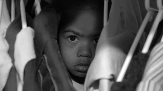 Muchos niños que han visto violencia doméstica en su hogar presentan problemas de comportamiento no sólo en su infancia sino en los años posteriores. ISTOCK/GETTY IMAGES