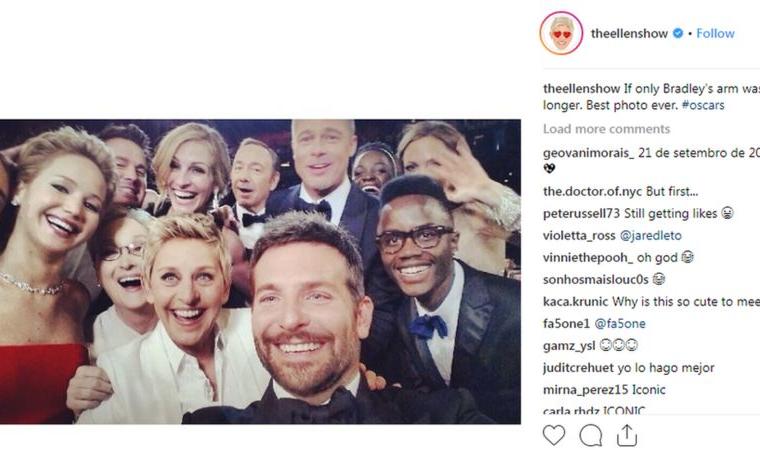 """Esta """"selfie"""" tomada durante los Oscar en 2014 por la presentadora de televisión Ellen recibió millones de """"likes""""."""