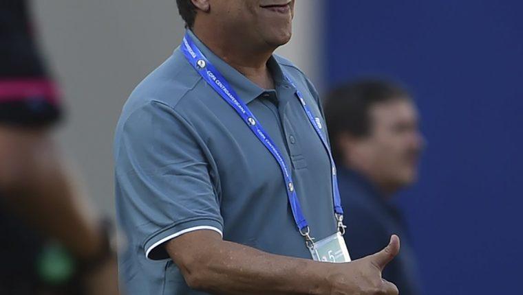 La Federación Panameña de Fútbol (Fepafut) anunció hoy que una avanzada suya viajará a Trinidad y Tobago para trabajar en aspectos logísticos a solicitud de el técnico Hernán Gómez. (Foto Prensa Libre: AFP)