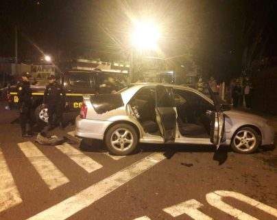La PNC capturó a supuestos sicarios luego de una persecución. (Prensa Libre Foto: PNC)