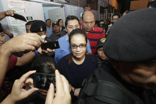 Informe de Inacif refiere que la ex vicepresidenta Roxana Baldetti no necesita permanecer en un Hospital (Foto Prensa Libre: Hemeroteca).