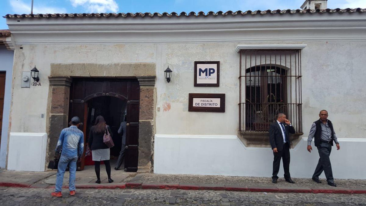 Ingreso a la Fiscalía Distrital de Sacatepéquez. (Foto Prensa Libre: Nery Gálvez)