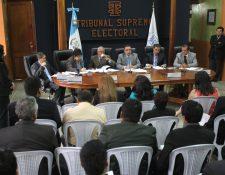 Los partidos políticos no pueden pautar en redes sociales para hacer campaña. (Foto Prensa Libre: Hemeroteca PL)