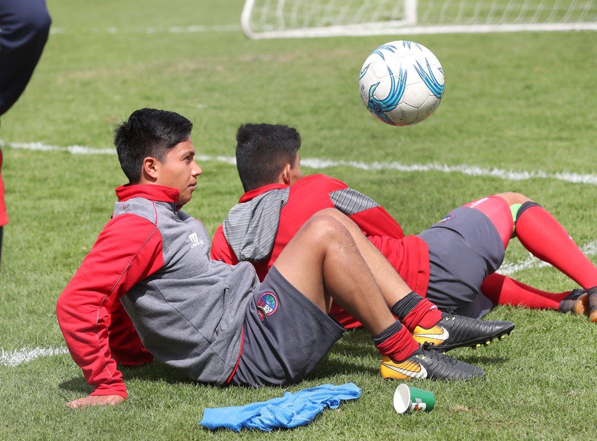 Sian cumple su sueño de jugar en la Liga Nacional con Municipal. (Foto Prensa Libre: Francisco Sánchez)