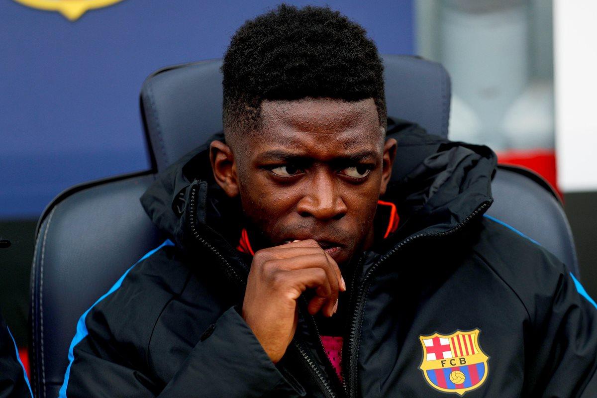Ousmane Dembélé esperó en el banquillo antes de salir frente al Getafe en el Camp Nou. (Foto Prensa Libre: EFE)