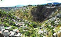 Un puente se construirá en la cuenca que divide las zonas 3 y 7 de la capital. La estructura es la conexión hacia túneles de la ruta del Corredor EO. (Foto Prensa Libre: Hemeroteca PL)
