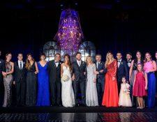 La familia Messi y Roccuzzo el día de la boda de Leo y Antonella. (Foto Prensa Libre: leomessi.com)