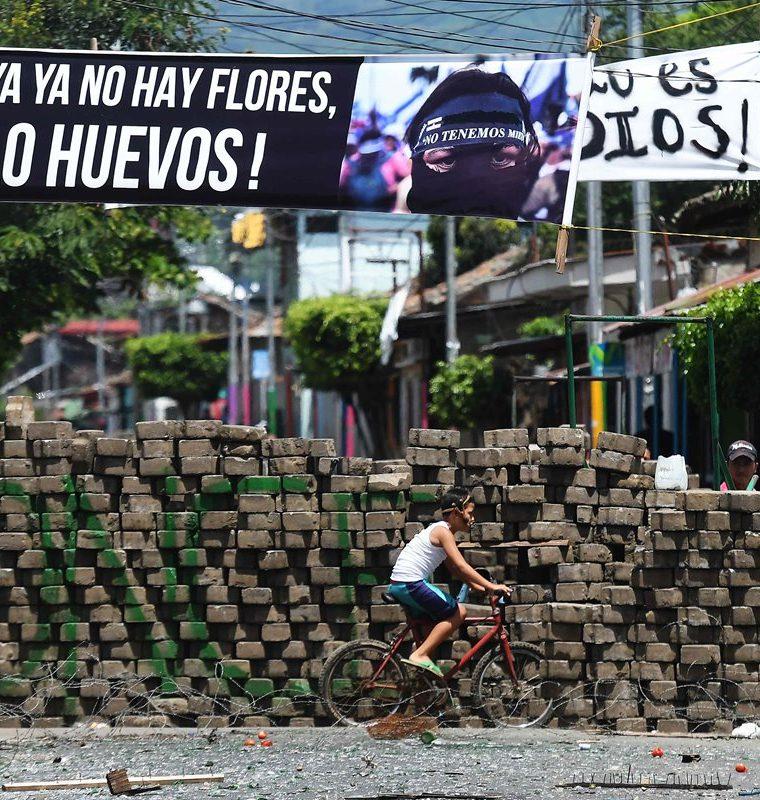 La ciudad de Masaya continúa la resistencia contra las fuerzas progubernamentales, en medio de una ola de protestas que exigen la renuncia de Ortega. (AFP).