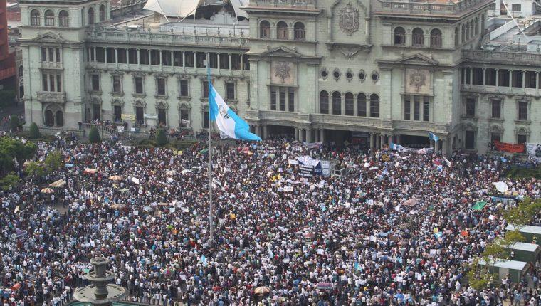 Miles marcharán y participarán en el Paro Nacional para exigir la renuncia de OPM. (Foto Prensa Libre: Hemeroteca PL)
