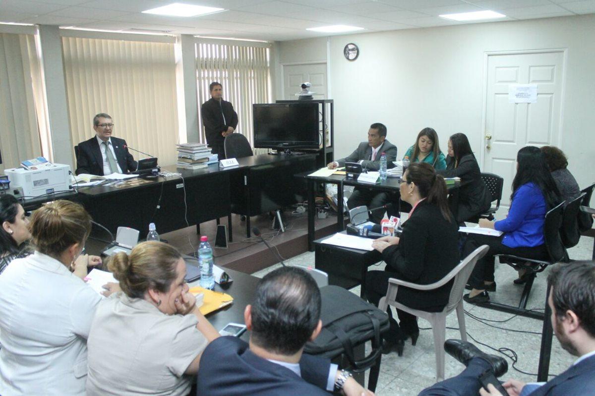 Defensa de Baldetti logra aplazar caso Amatitlán