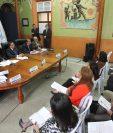 Fiscales de partidos políticos increpan a magistrados por no adjudicar las diputaciones. (Foto Prensa Libre: Hemeroteca PL)