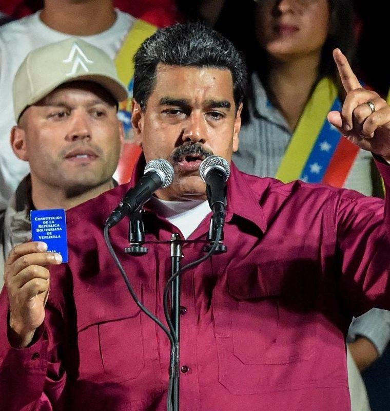 Nicolás Maduro fue reelecto para un nuevo periodo en un anómalo proceso electoral que no ha sido reconocido por muchos países. (Foto Prensa Libre: AFP)