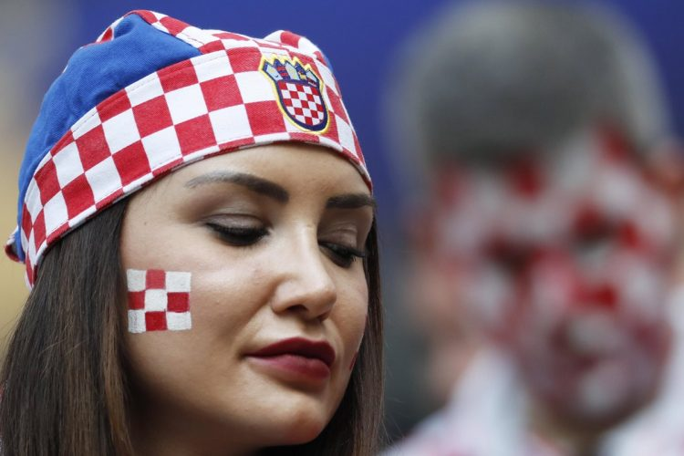 Rostros de tristeza se vieron después de la cuarta anotación francesa.