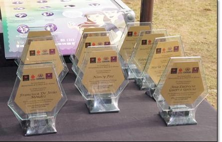 Q2 mil 450 costaron dos juegos de trofeos que tenían los logotipos de los partidos Todos, Victoria, Unionista y la Gran Alianza Nacional (Gana). (Foto Prensa Libre: Hemeroteca PL)