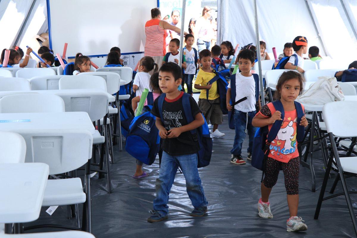 Niños damnificados por la erupción tendrán solo dos o tres días de clases