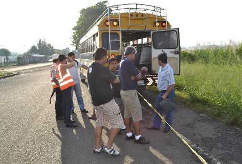 Un intento de asalto dejó como saldo a dos hermanos muertos, quienes presuntamente eran los ladrones, en el km 61,  ruta de Escuintla a Taxisco.