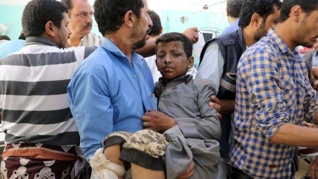 La Cruz Roja anunció que enviaría más ayuda a los hospitales, donde crecía el número de víctimas. (Reuters)