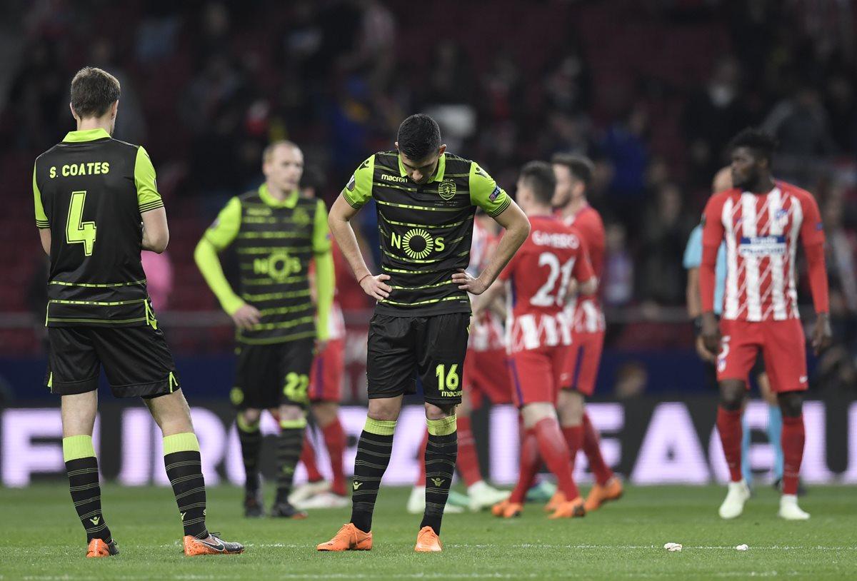 Los jugadores del Sporting lamentaron la derrota frente al Atlético de Madrid. (Foto Prensa Libre: AFP)
