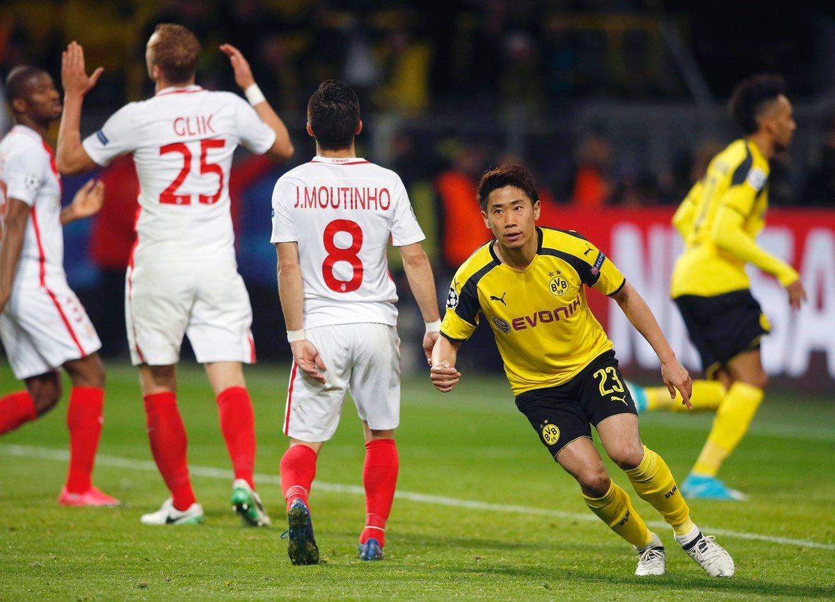 El japonés  Shinji Kagawa marcó uno de los goles del descuento para el Borussia.