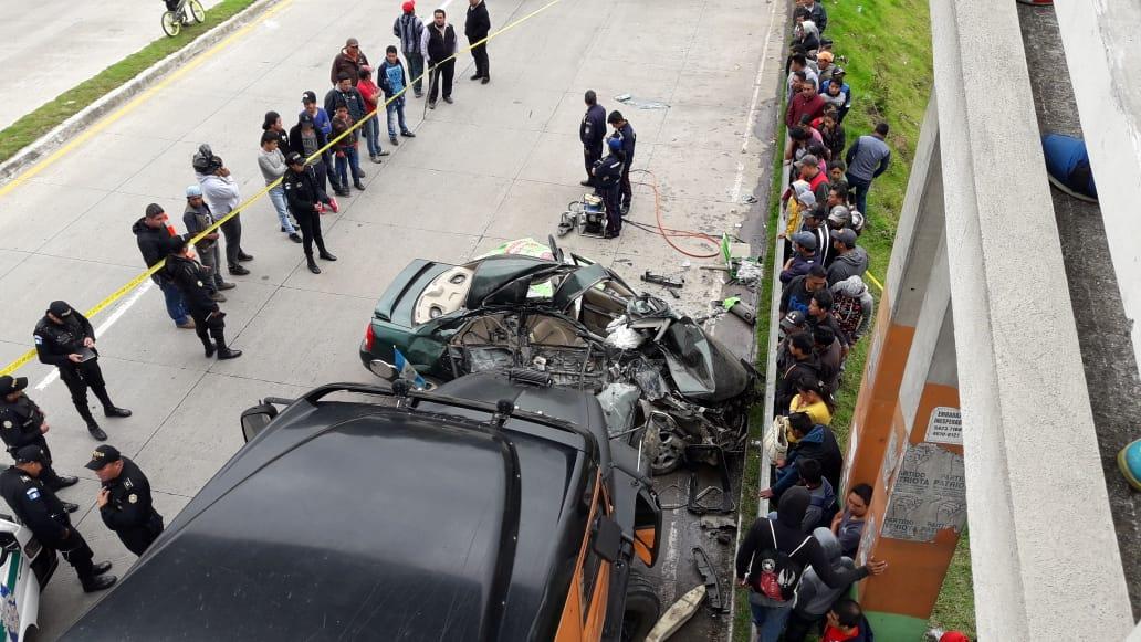 El vehículo de la familia Cocón Xico quedó destruido. (Foto Prensa Libre: Cortesía Víctor Chamalé)