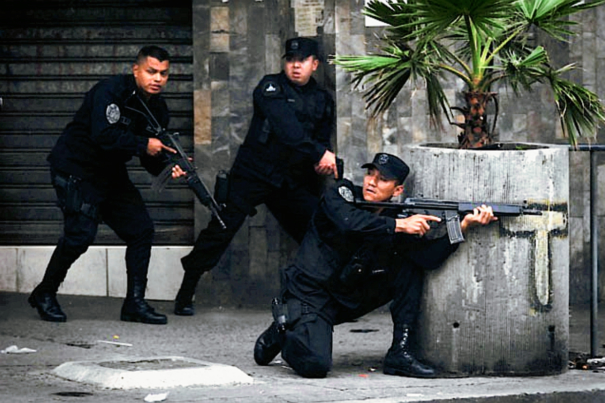 El gobierno  salvadoreño intenta recaudar más recursos para seguridad. (Foto Prensa Libre: Internet)