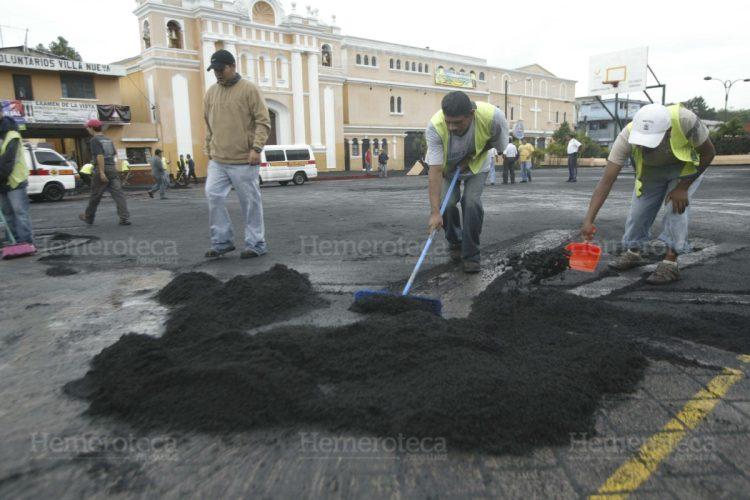 El Parque de Villa Nueva cubierto por el material expulsado por el Volcán.