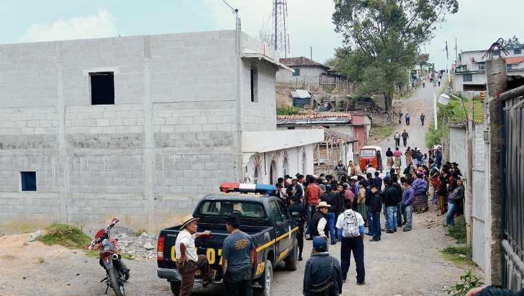 El cadáver de Manuela Soch Reynoso fue localizado dentro de un inmueble, en la zona 2 de Uspantán, Quiché. (Foto Prensa Libre: Óscar Figueroa)