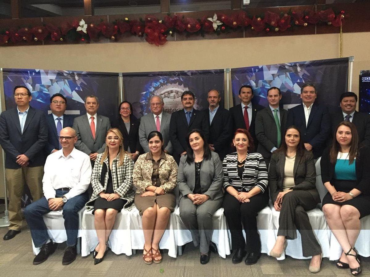 El próximo 5 de diciembre se conocerá al ganador del Galardón a la Productividad y Competitividad Ricardo Castillo Sinibaldi. (Foto Prensa Libre: Paula Ozaeta)