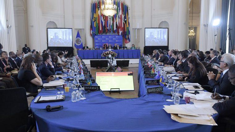 Vista general de los embajadores ante la OEA durante la Asamblea General en Washington, Estados Unidos.(Foto Prensa Libre:AFP).
