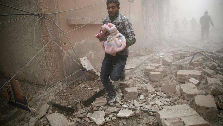 Imagen referencial. Los bebés también son ahora blanco de los terroristas del Estado Islámico. (Foto Prensa Libre: AFP).