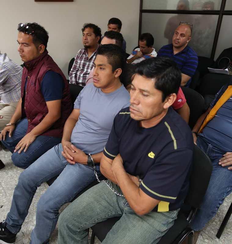 Otros sindicados en el caso durante una audiencia el pasado 10 de abril. (Foto Prensa Libre: Hemeroteca PL).