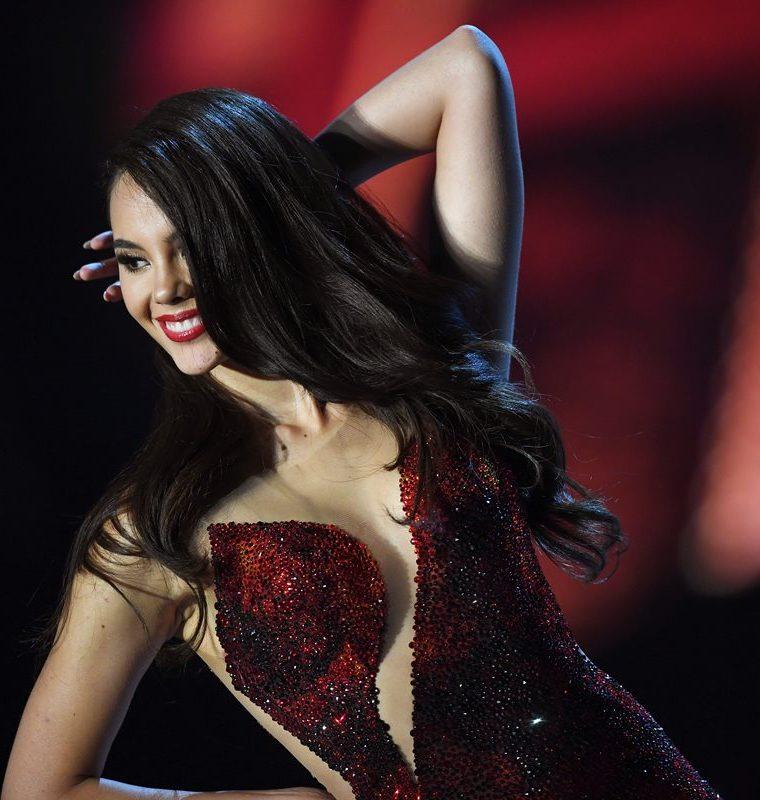 Catriona Gray también disfruta de la moda (Foto Prensa Libre: AFP).
