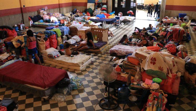 Cientos de afectados por la erupción del Volcán de Fuego aún esperan ayuda en albergues. (Foto: Hemeroteca PL)