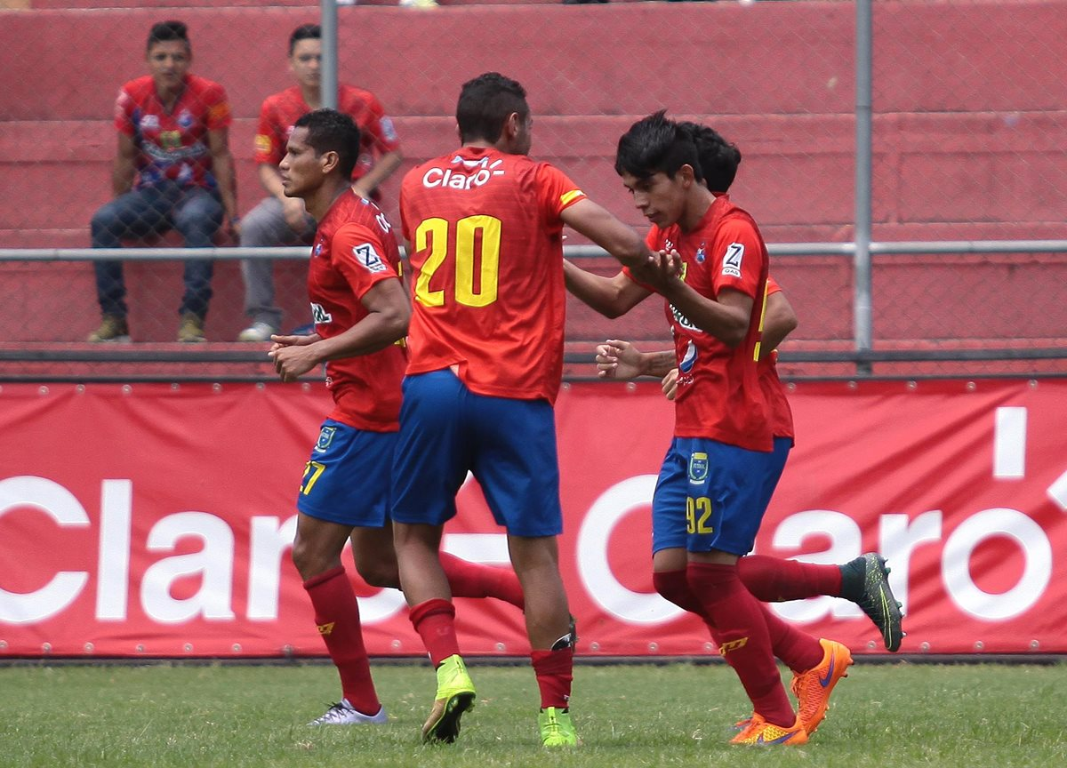 Así luce el goleador Danilo Guerra con el dorsal número 20. (Foto Prensa Libre: Jesús Cuque)