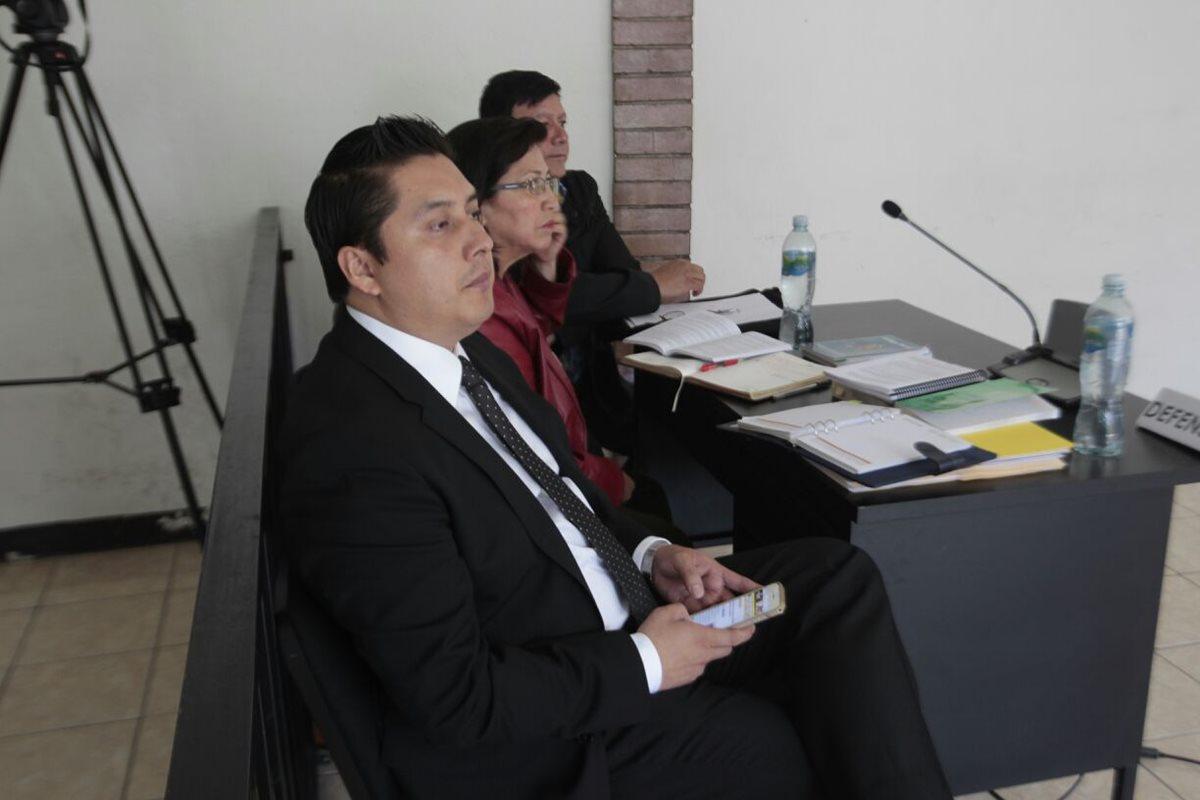 Juzgado embarga bienes a empresa israelí por limpieza del Lago de Amatitlán
