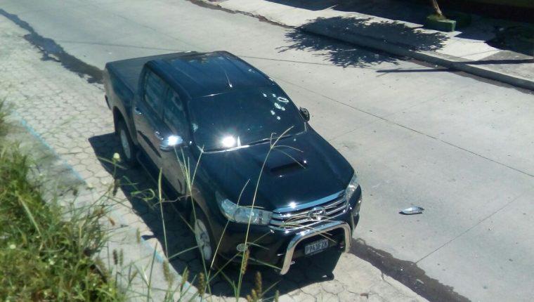 Vehículo en el que viajaba Diego Montero cuando fue ultimado, en Zacapa. (Foto Prensa Libre: Mario Morales)