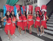 Las aspirantes al tírulo de Señorita Casa de la Cultura 2015-2016 participaron en el desfile. (Foto Prensa Libre: Oswaldo Cardona)