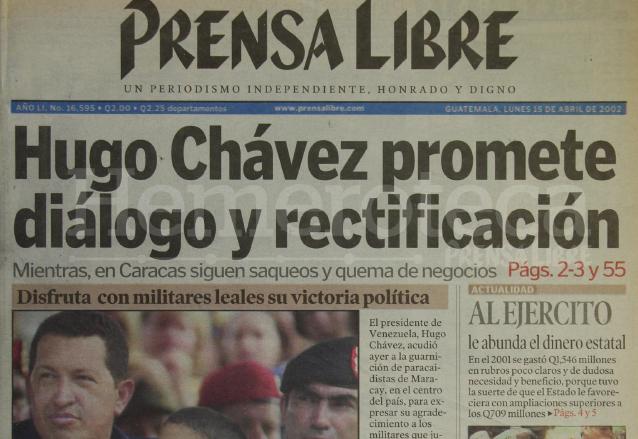 Titular de Prensa Libre del 15 de abril de 2002. (Foto: Hemeroteca PL)
