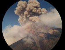 La explosión del viernes en el Volcán de Fuego provino de una fisura a 300 metros del cráter. (Foto Prensa Libre: captura de video)
