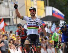 Peter Sagan festeja su triunfo luego de conquistar la tercera etapa del Tour de Francia. (Foto Prensa Libre: AFP)