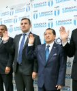 Comité de Regularización fue juramentado por las autoridades de la CDAG. (Foto Prensa Libre: Edwin Fajardo)