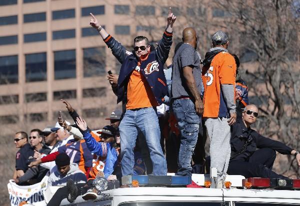 Denver festeja el campeonato del Súper Tazón de los Broncos